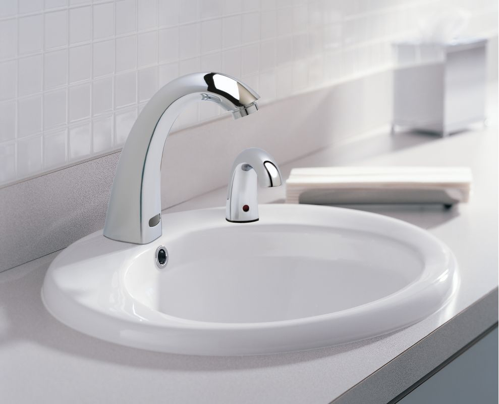 Faucet Com Desd 550 In Chrome By Delta