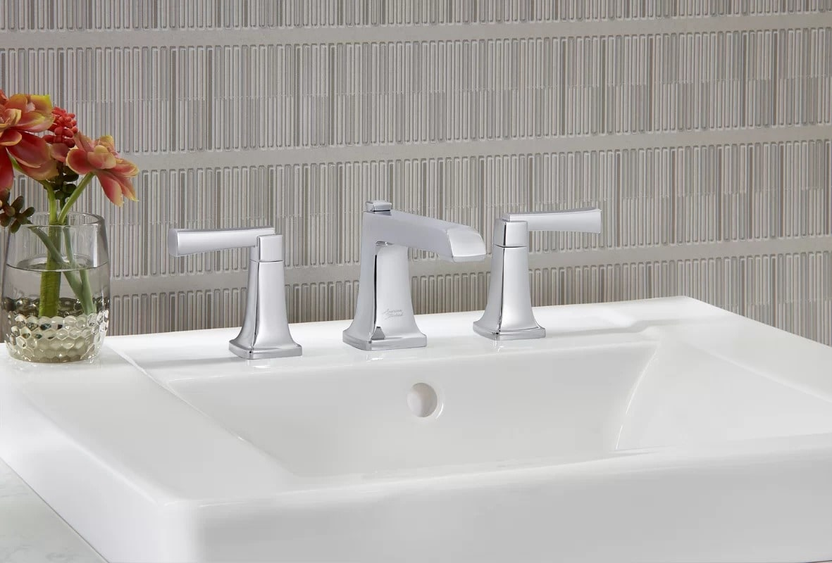 Clearance Faucets and Sinks