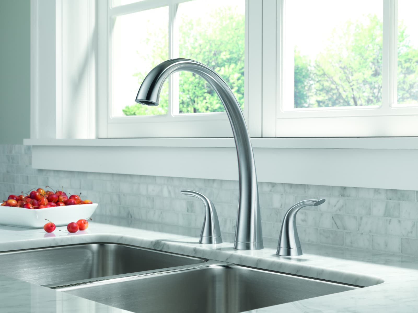 Delta 2480-DST Chrome Pilar Kitchen Faucet with Side Spray ...