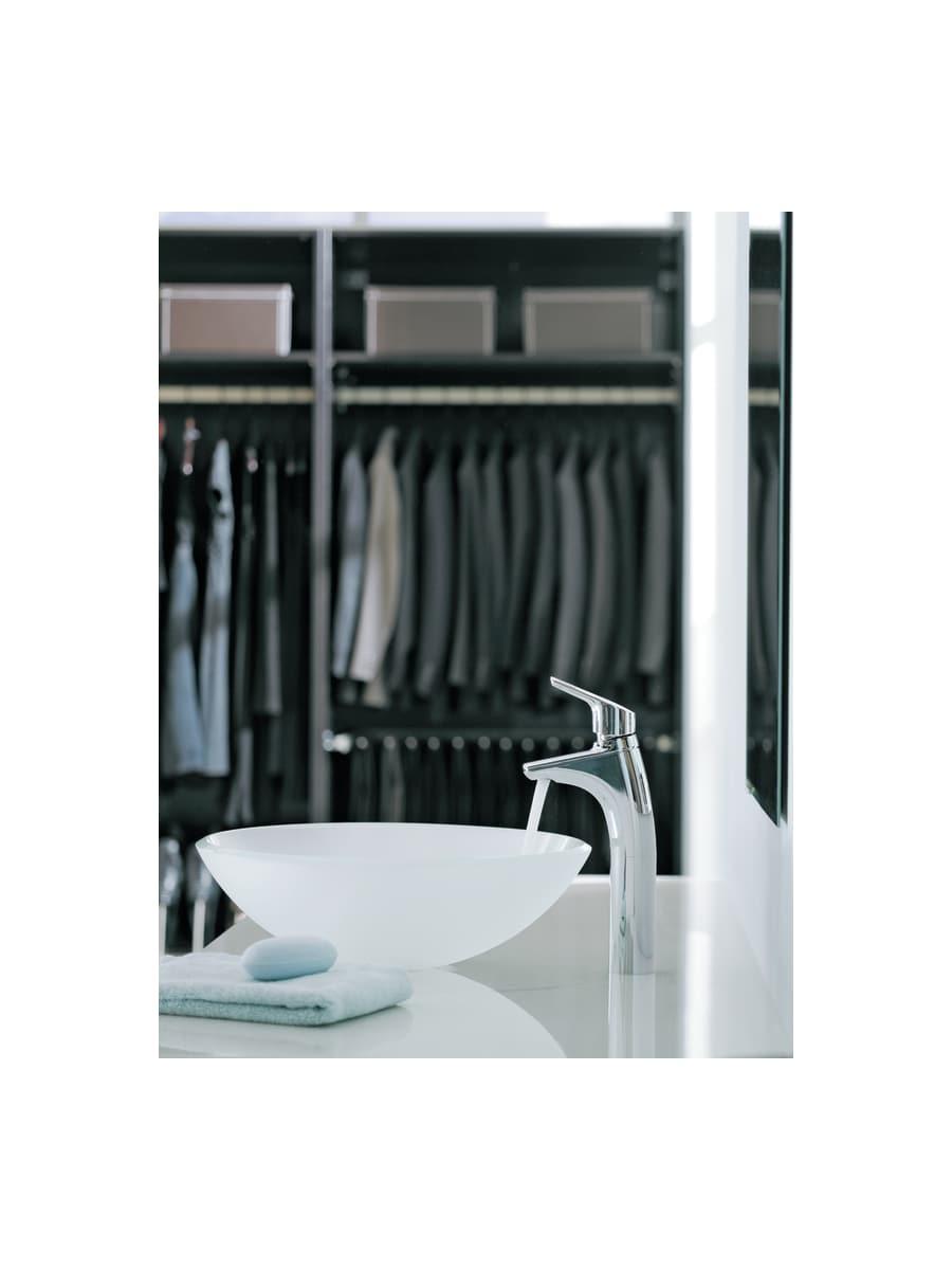 Moen 6810 Chrome Single Handle Single Hole Bathroom Faucet from the ...