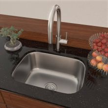 """23"""" Single Bowl Stainless Steel 16 Gauge Kitchen Sink with Pull-Out Spray Kitchen Faucet"""