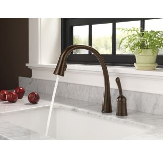 Delta 980t Dst Chrome Pilar Pull Down Kitchen Faucet With