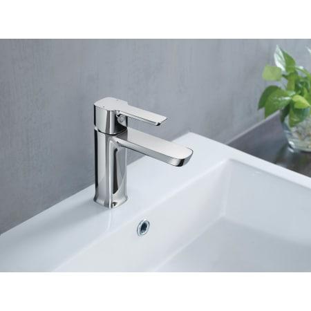 Delta 581lf pp chrome modern 1 2 gpm single hole bathroom - Delta contemporary bathroom faucets ...