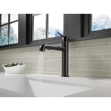 Delta 4159 Bl Dst Black Trinsic Pull Out Kitchen Faucet
