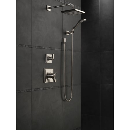 Delta 57740 Chrome 2 5 Gpm Arzo 8 Quot Wide Rain Shower Head