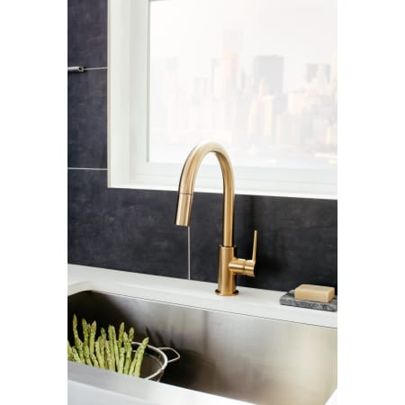 Delta 9159 Bl Dst Matte Black Trinsic Pull Down Kitchen Faucet With