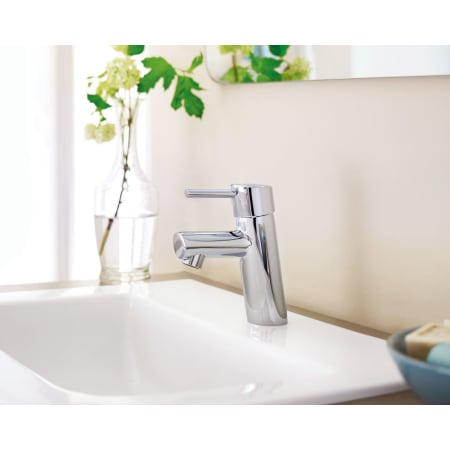Grohe 34270001 Starlight Chrome Concetto Single Handle Single Hole Bathroom Faucet With Silkmove