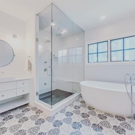 Kohler K 6369 0 White Sunstruck 66 Quot Free Standing Bath Tub