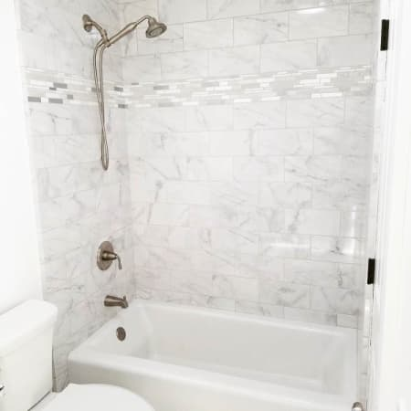 Kohler K 875 0 White Bellwether Collection 60 Quot Three Wall