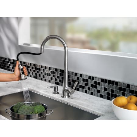 Pfister F 529 7mds Stainless Steel Mystique Pullout Spray