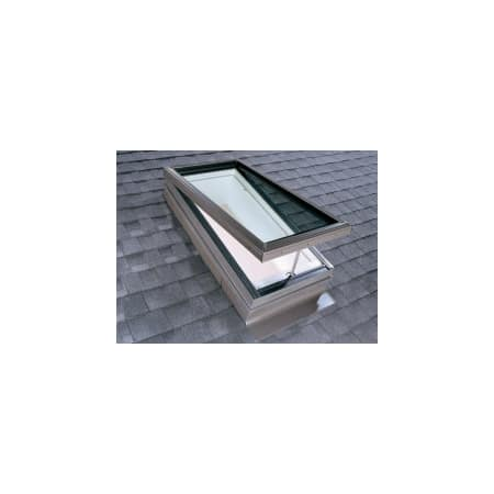 Velux Vcm 2246 2075 Na Manual Venting Curb Mounted Skylight