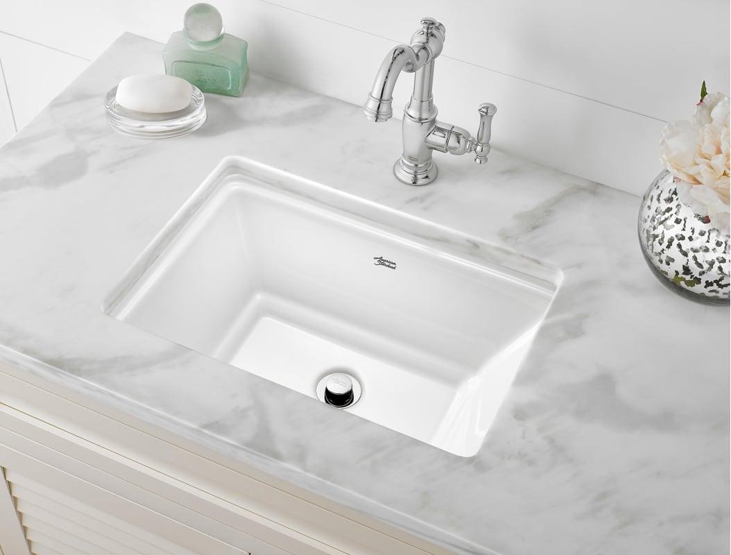 American Standard 0483.000.020 White Estate 19-3/4\