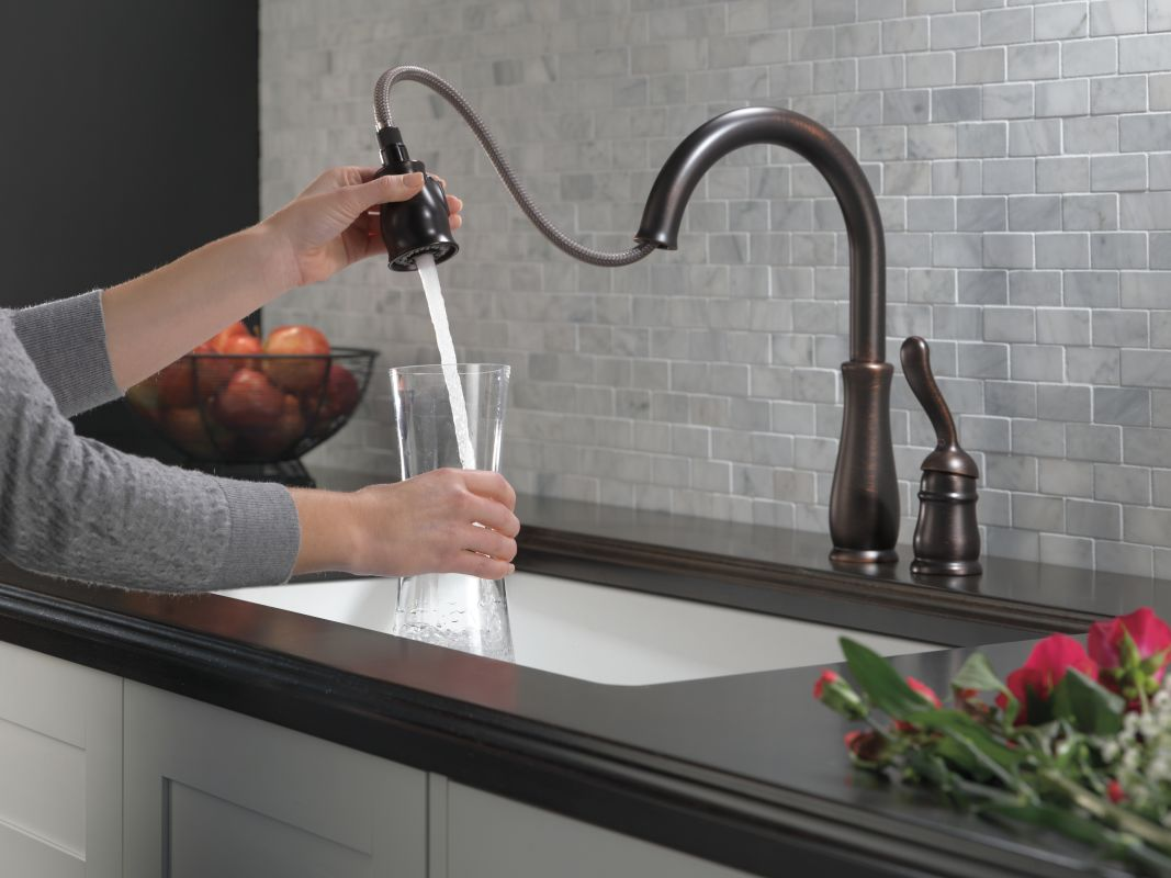 Delta Venetian Bronze Kitchen Faucet With Pull Out Spray Kitchen