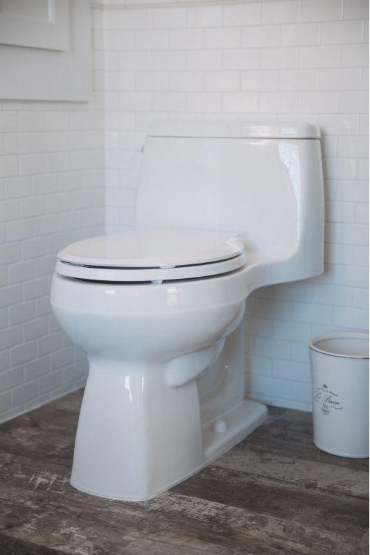 cc8ffbdf4d8 Kohler K-3810-0 White Santa Rosa 1.28 GPF One-Piece Elongated Comfort  Height Toilet with AquaPiston Technology - Includes Brevia Quiet-Close  Grip-Tight ...