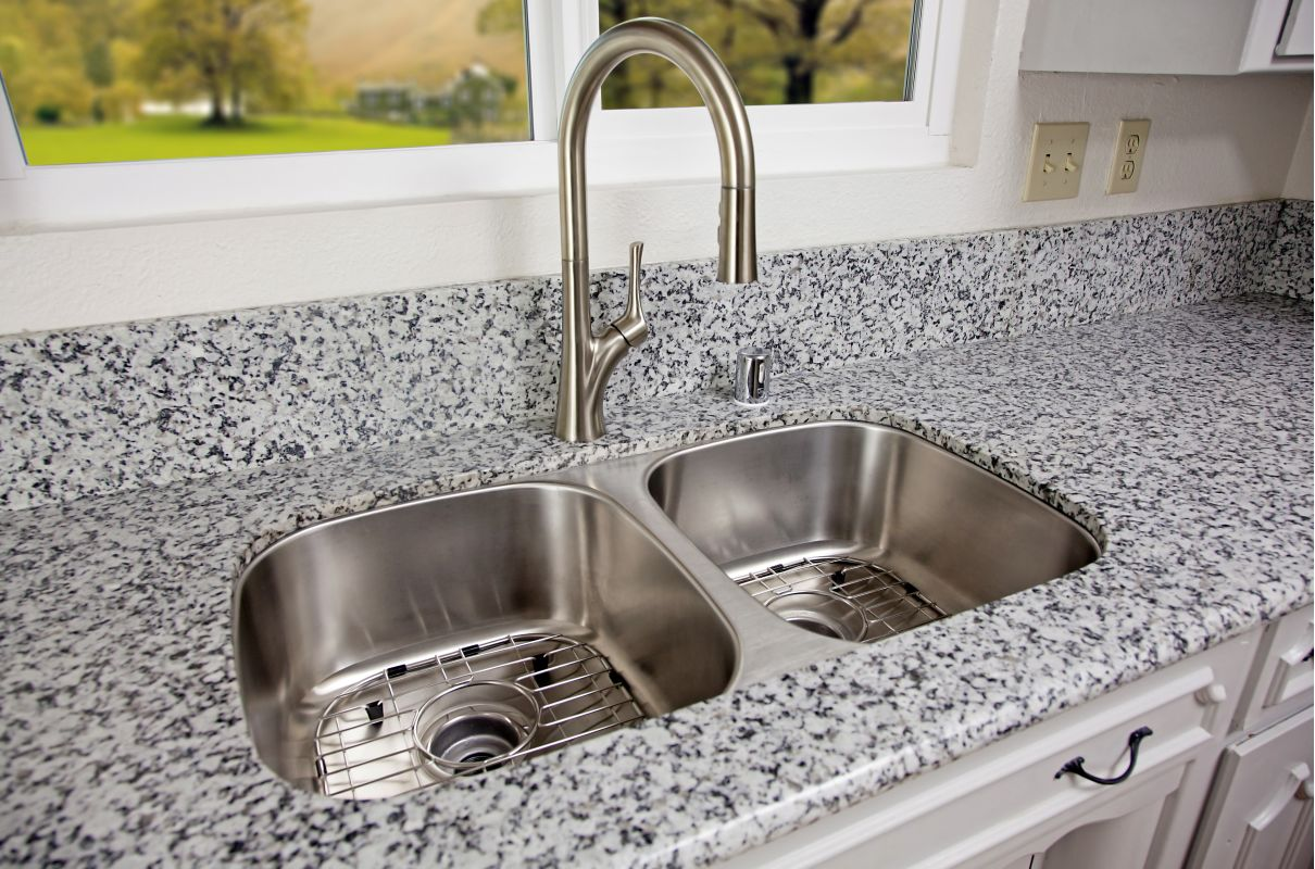 bathroom sink faucet, undermount sinks with cabinet and kitchen, chrome stainless steel sink with faucet, undermount farm sink installation, undermount farmhouse sink, on undermount kitchen sink faucet and grey