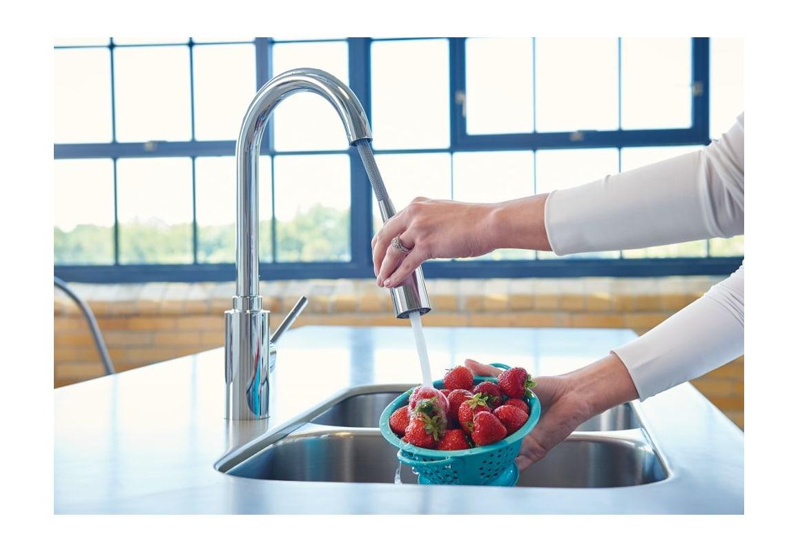 Moen 7882SRS Spot Resist Stainless Genta Pull-Down Spray Kitchen ...