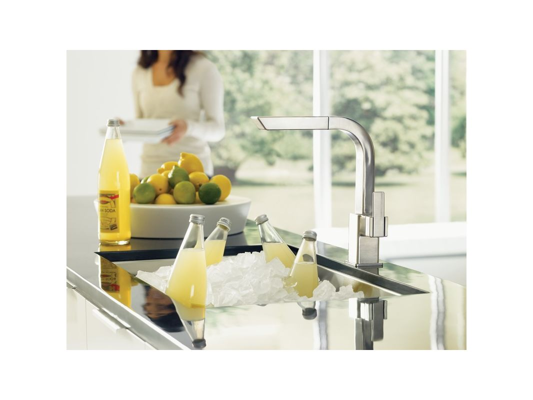 Moen S7597srs Spot Resist Stainless Pullout Spray High Arc Kitchen Faucet From The 90 Degree Collection Com