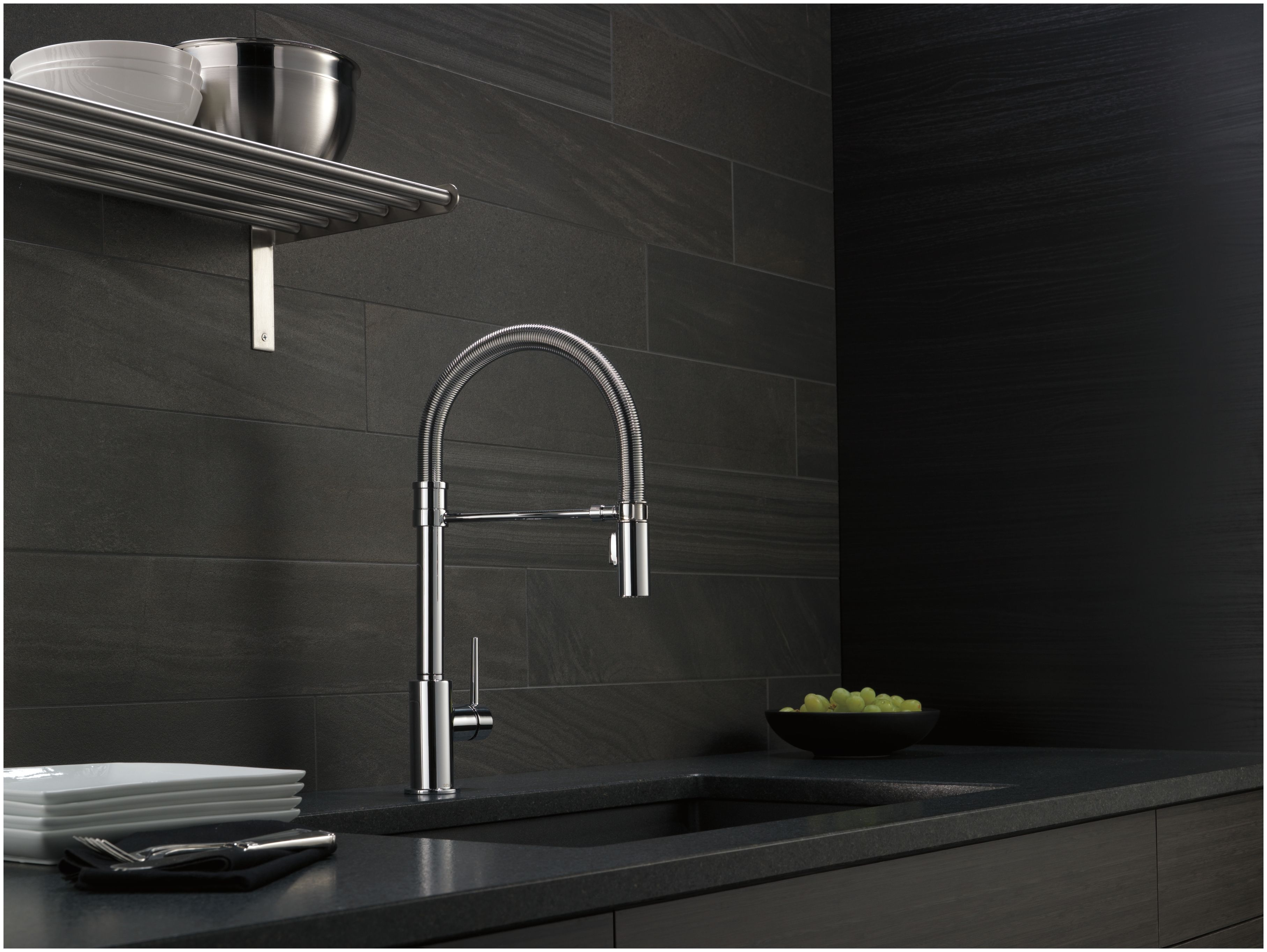 Delta 9659-DST Chrome Trinsic Pro Pre-Rinse Pull-Down Kitchen Faucet ...