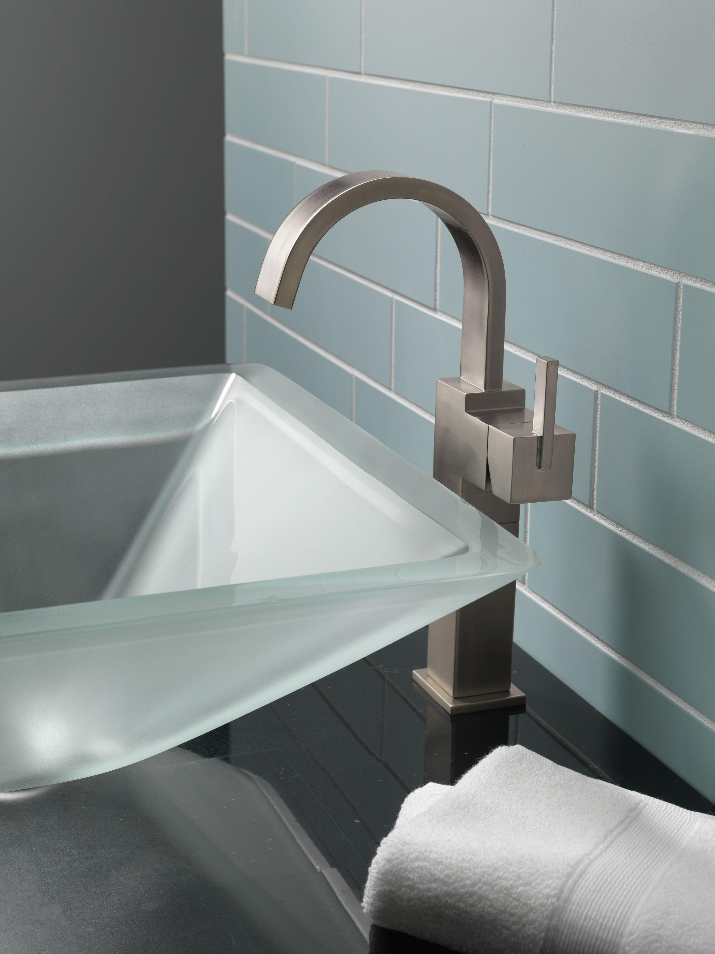 Delta 753LF-RB Venetian Bronze Vero Single Hole Bathroom Faucet with ...