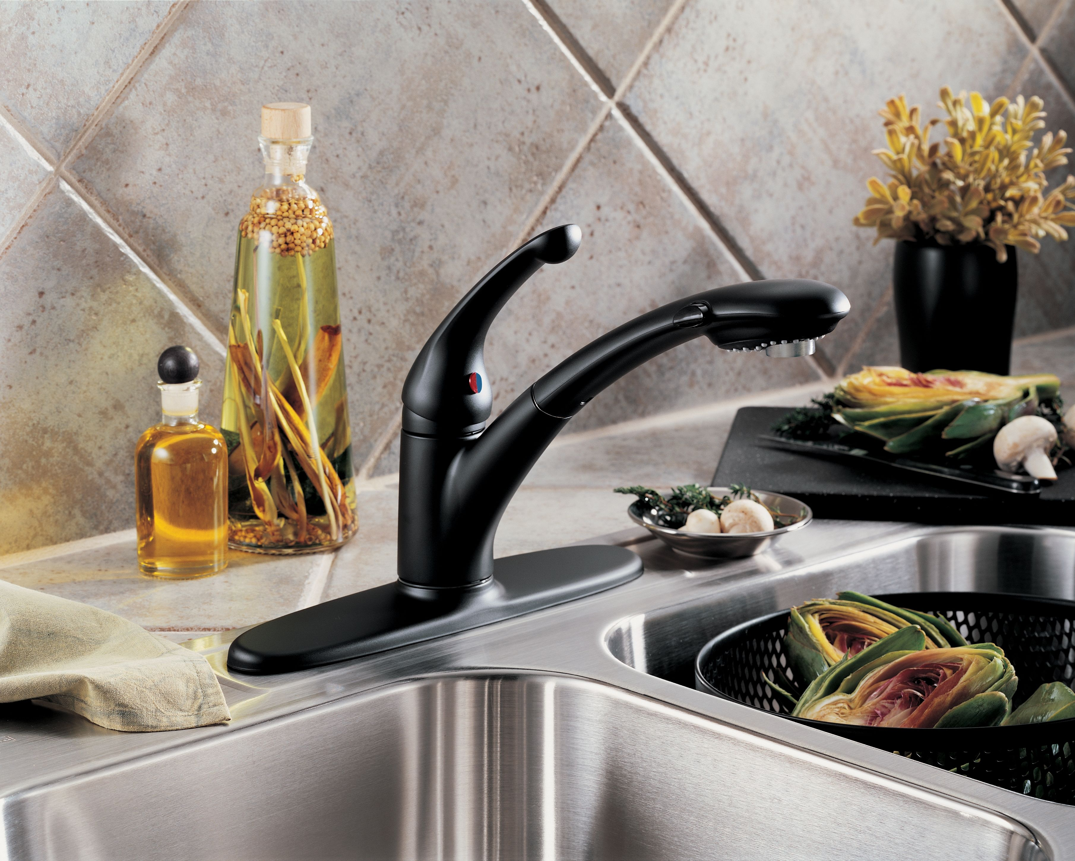 Delta 470-AR-DST-SD Arctic Stainless Signature Pull-Out Kitchen ...