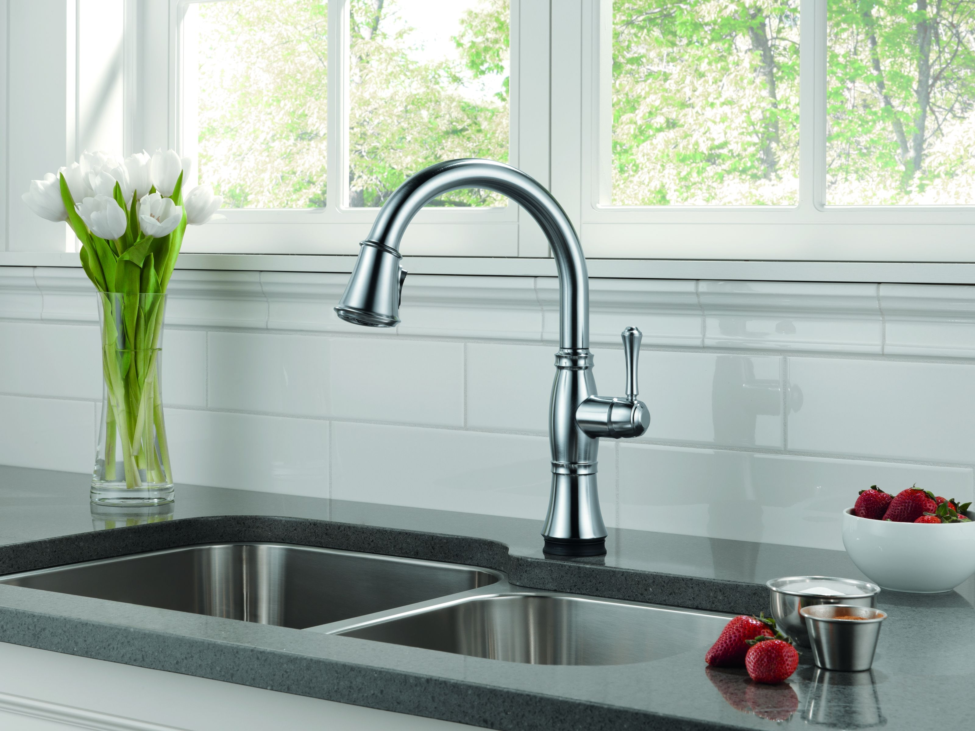 Delta 9197-DST-SD Chrome Cassidy Pull-Down Kitchen Faucet with ...
