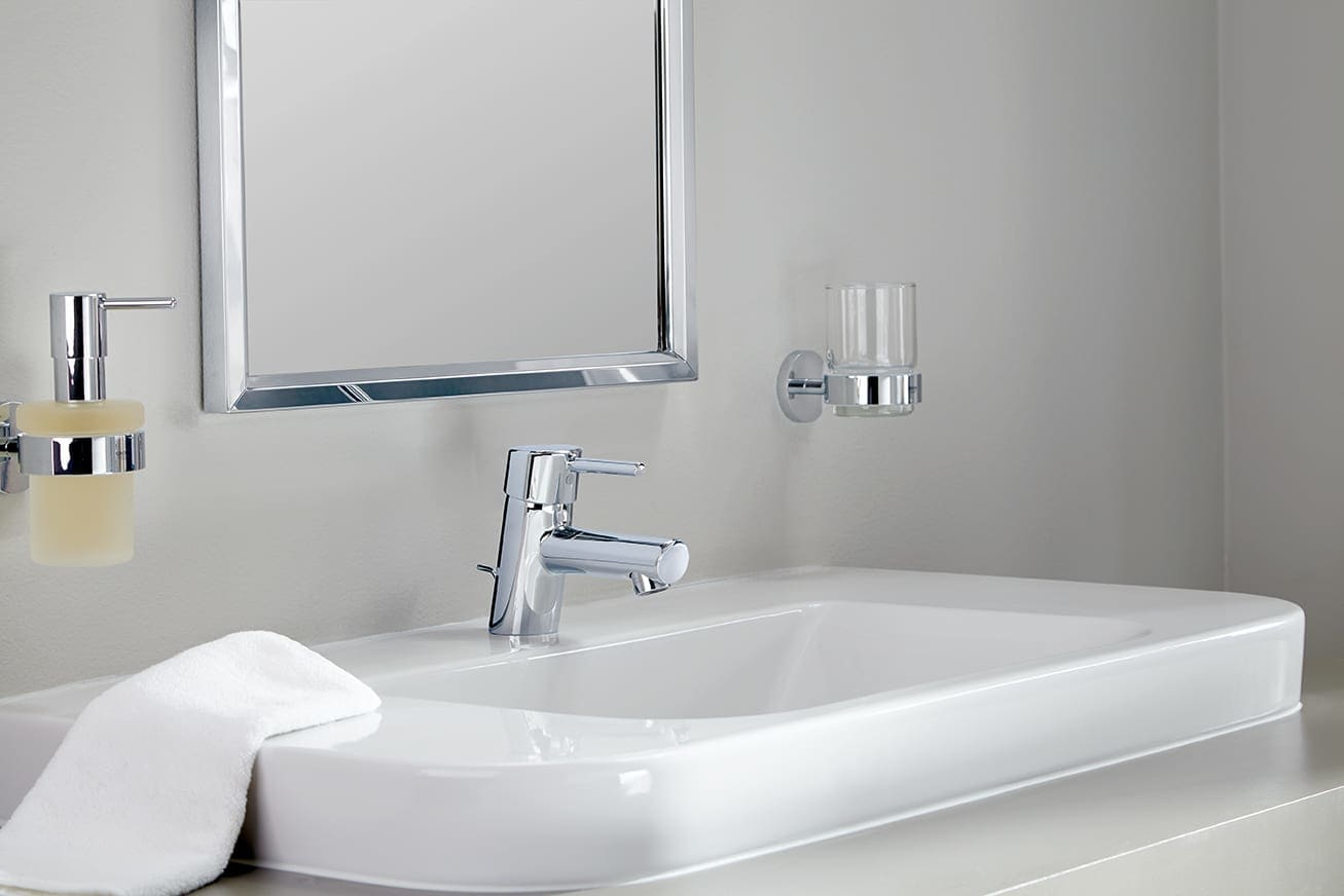 Grohe 3427100a Starlight Chrome Concetto 1 2 Gpm New Bathroom Faucet With Silkmove Cartridge Less Drain Assembly Faucetdirect Com