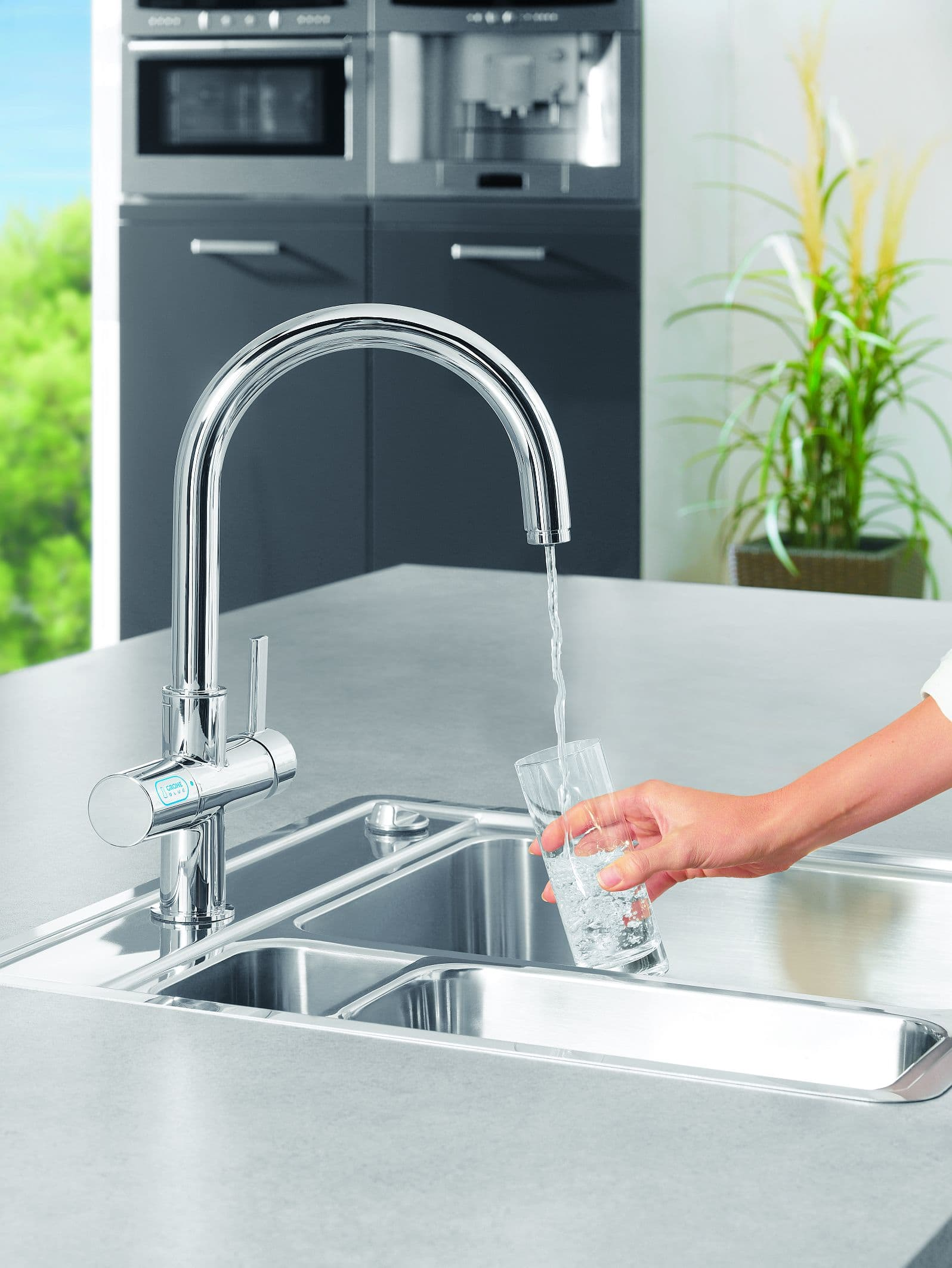 grohe 31312000 starlight chrome grohe blue kitchen faucet with