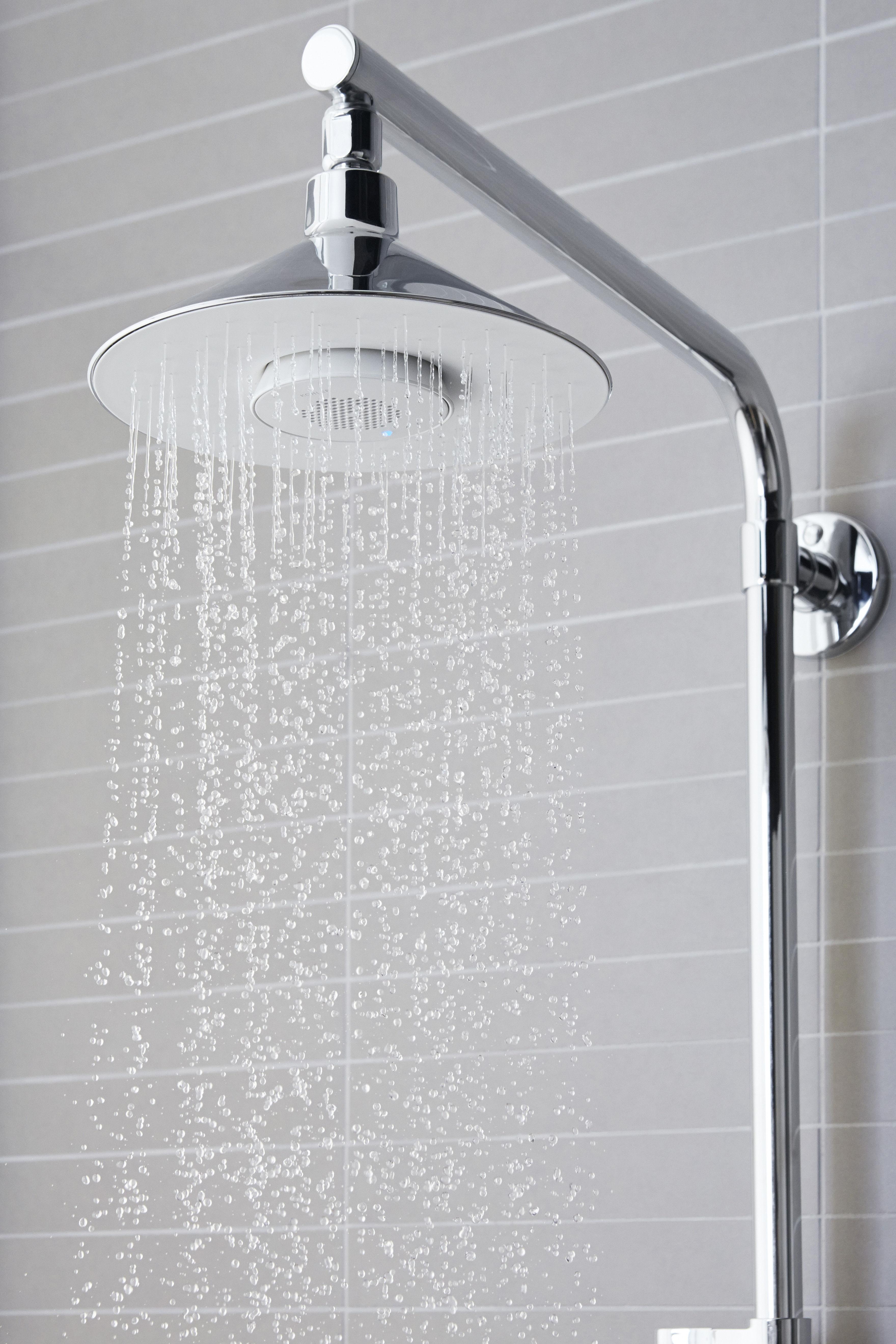 Kohler Moxie Hydrorail Custom Shower System