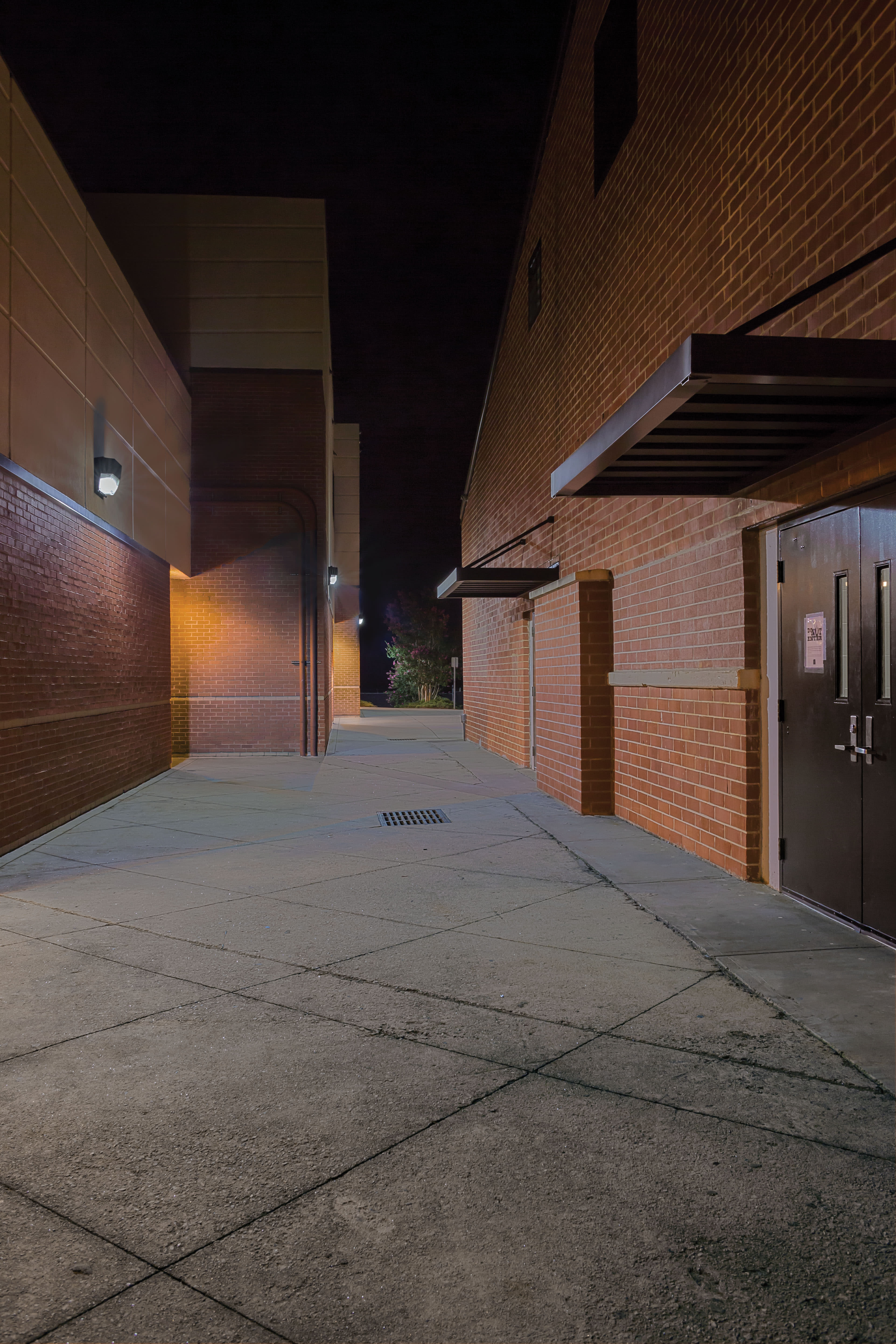 Lithonia Lighting Twp Led 30c 50k Dark Black Bronze 5000k 16 1 8 Wide Integrated Commercial Wall Pack With Clear Synthetic Shade