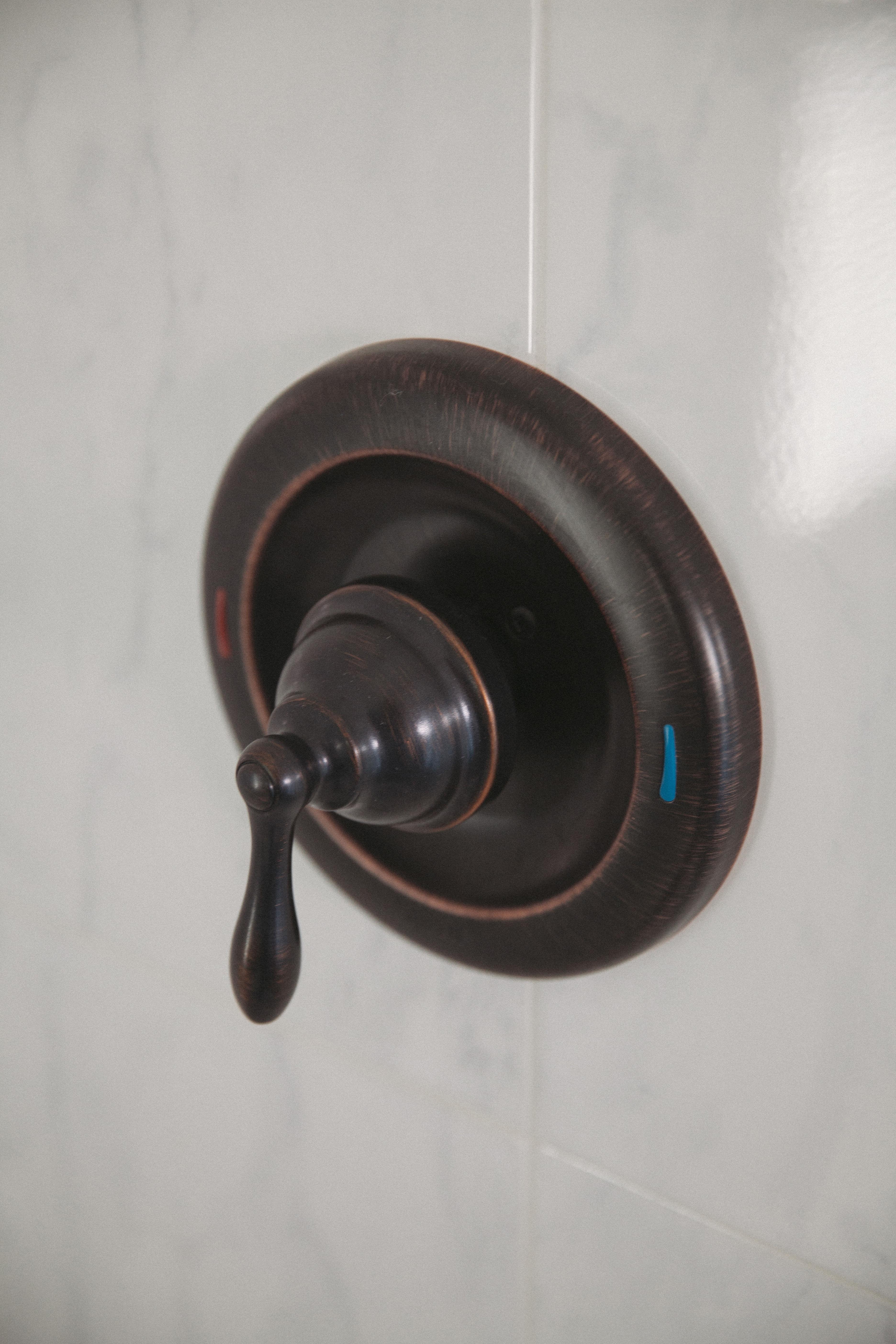 Moen 82495EPSRN Spot Resist Brushed Nickel Single Handle Posi-Temp ...