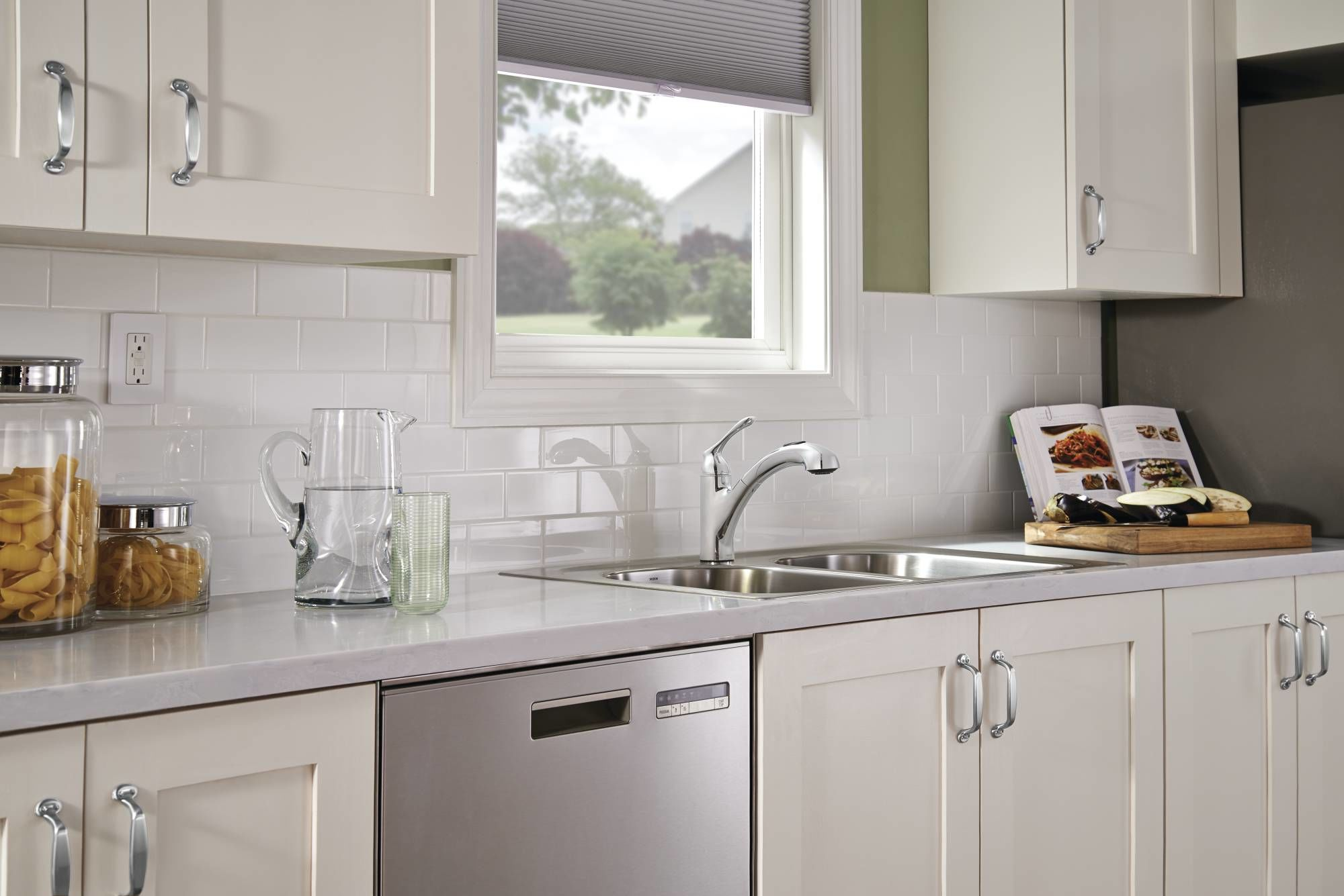 Moen 87017V Ivory Pullout Spray Kitchen Faucet from the Banbury ...