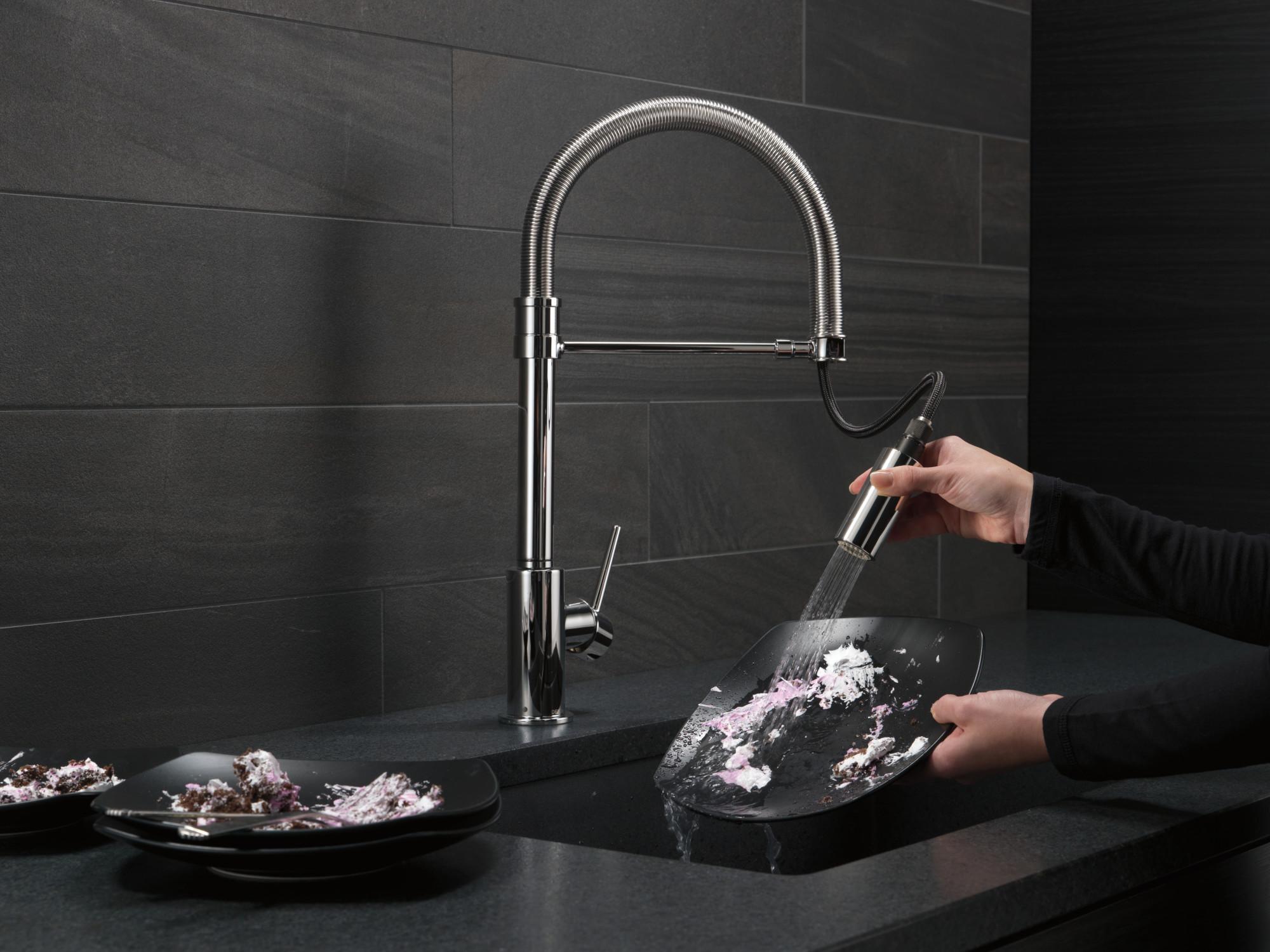 Delta 9659 Ar Dst Pro Pre Rinse Pull Down Kitchen Faucet W