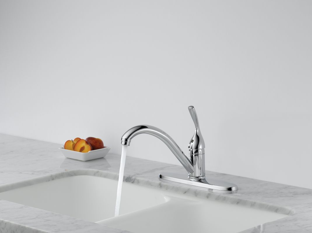 Delta Classic Kitchen Faucet Faucetcom 100 Dst In Chrome By Delta