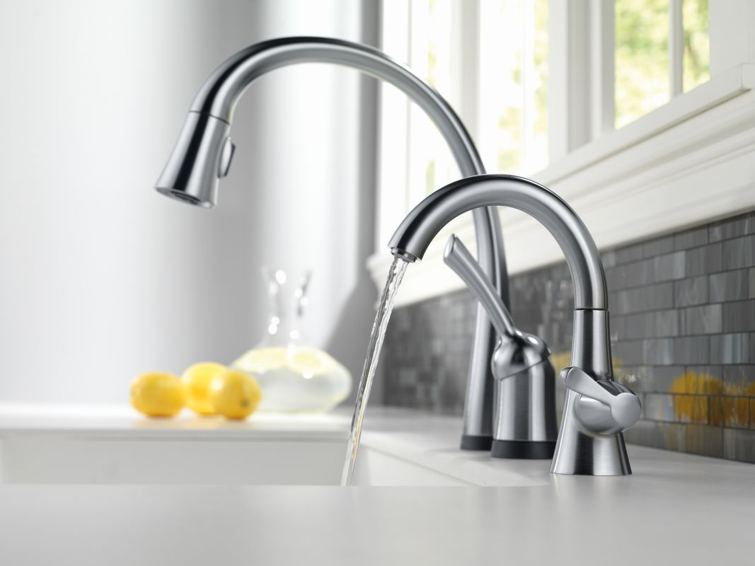 Kitchen Faucets Sale Faucet Com 1977 Ar Dst In Arctic Stainless By Delta
