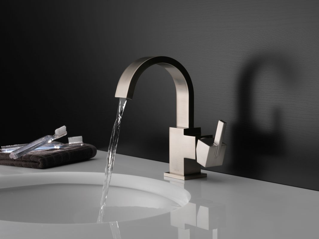 Bathroom Faucet Keeps Running faucet | 553lf-ss in brilliance stainlessdelta