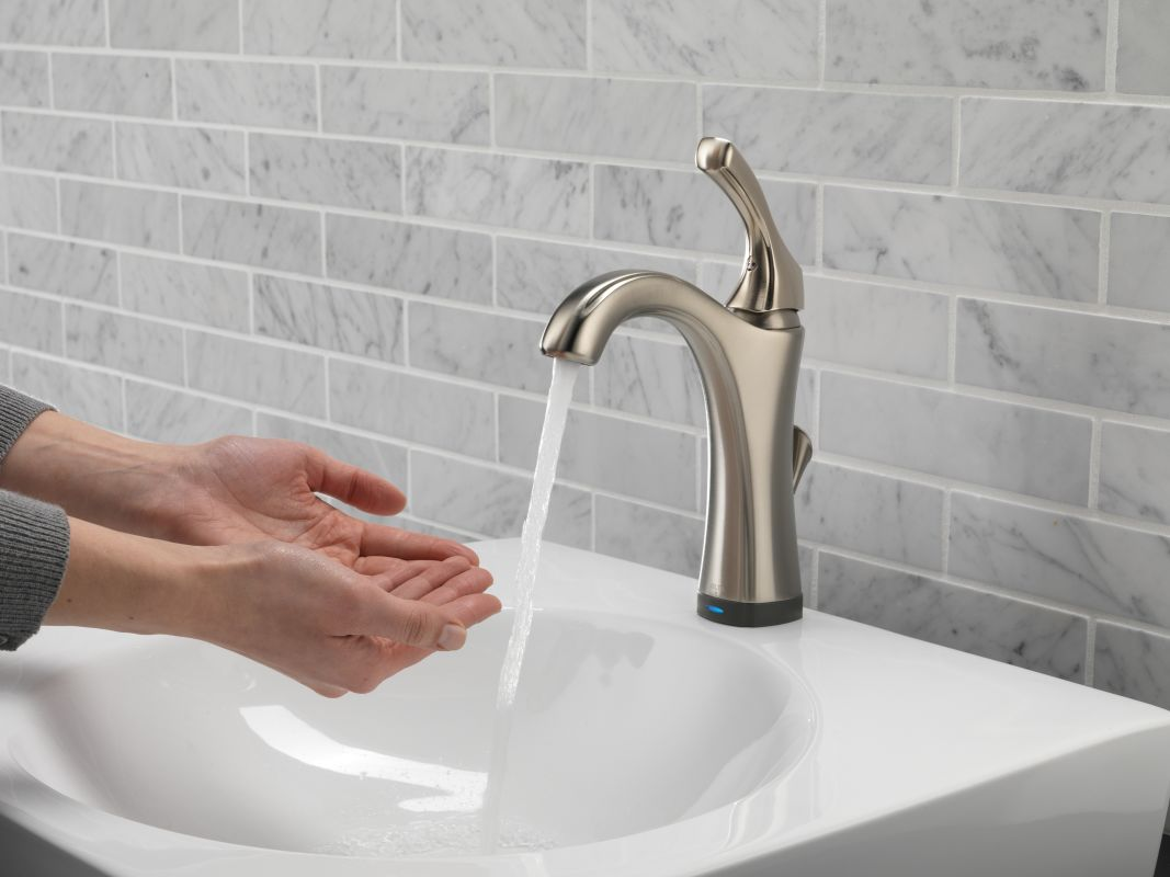 Faucet Com 592t Dst In Chrome By Delta