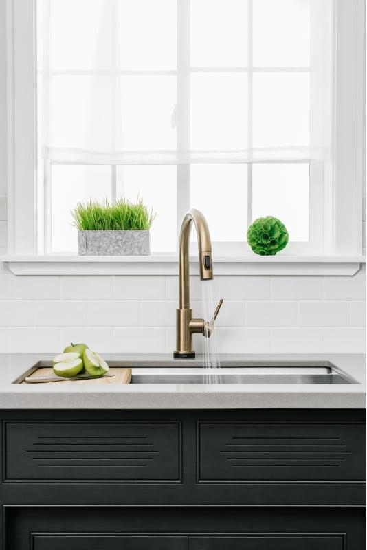 Faucet Com 9159t Bl Dst In Matte Black By Delta