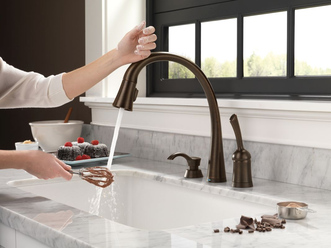 Delta Touch2o Kitchen Faucet Faucetcom 980t Ar Dst In Arctic Stainless By Delta
