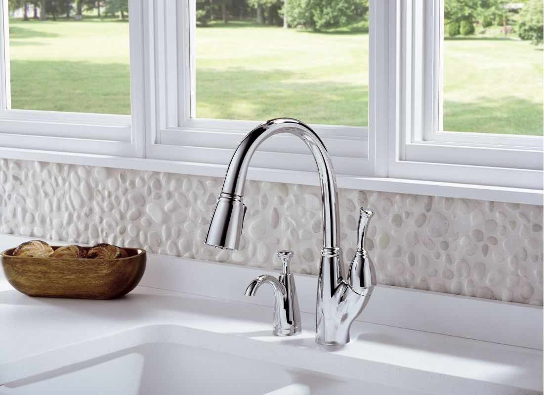 Delta Pull Down Kitchen Faucet Faucetcom 989 Ar Dst In Arctic Stainless By Delta