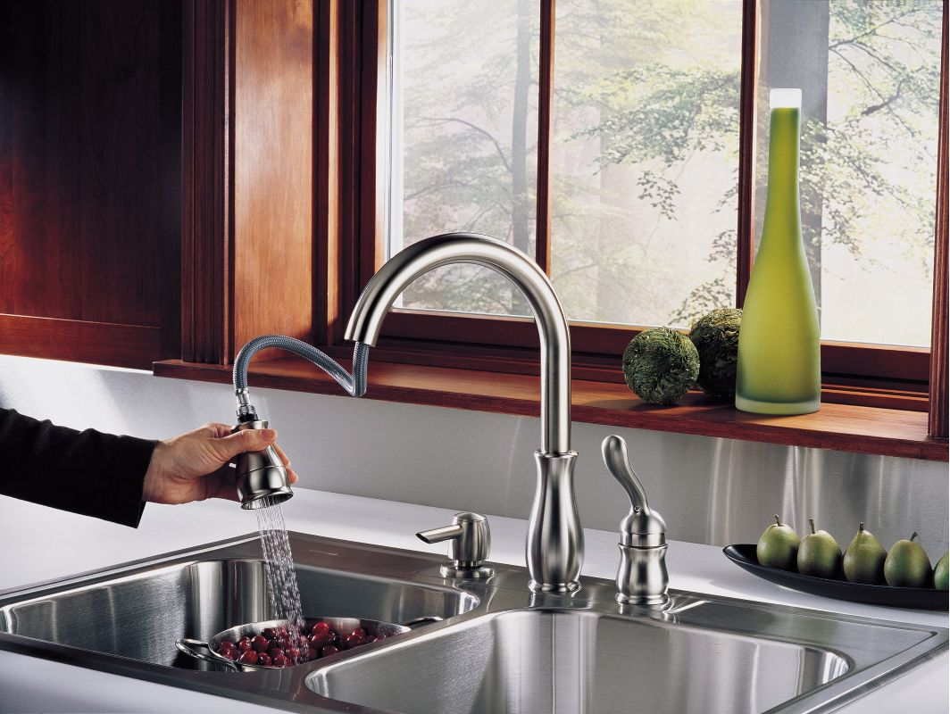 Delta Leland Kitchen Faucet Faucetcom 978 We Dst Sd In Chrome By Delta