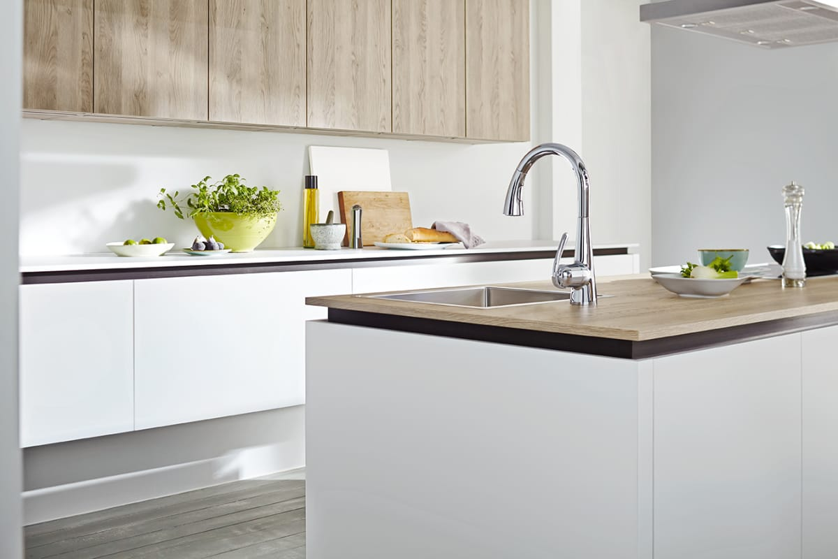 Touch Activated Kitchen Faucet Faucet Com 30205dc1 In Supersteel Dc1 By Grohe