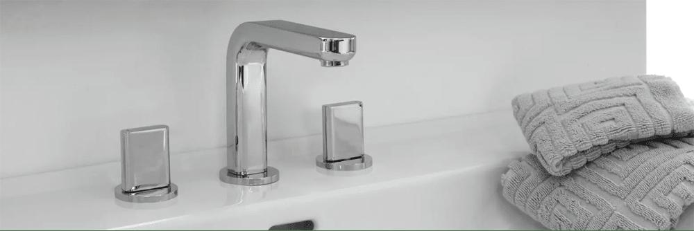Hansgrohe Metris faucet in chrome.