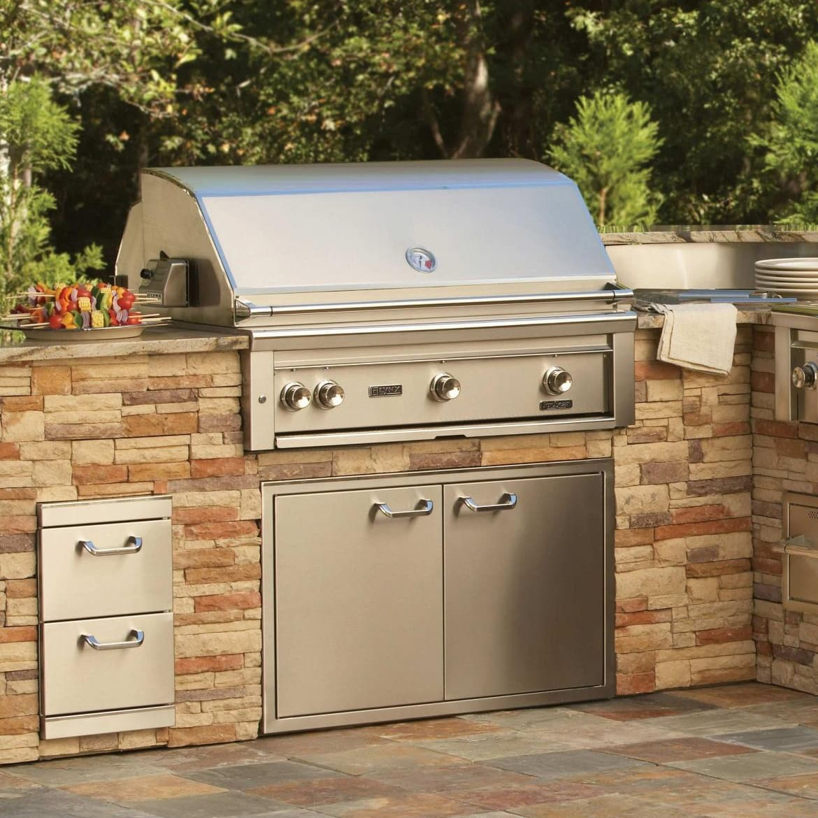 Kitchen appliances kegerators and wine coolers for Outdoor barbecues built in